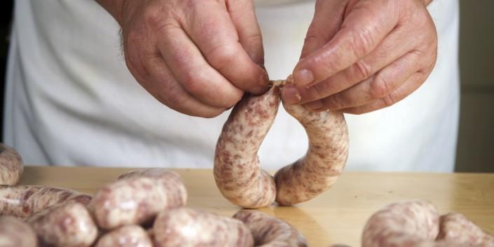 Handmade-sausage-Piemonte-process