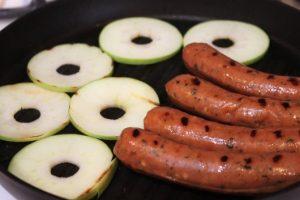 piemonte-sausage-grill-apples